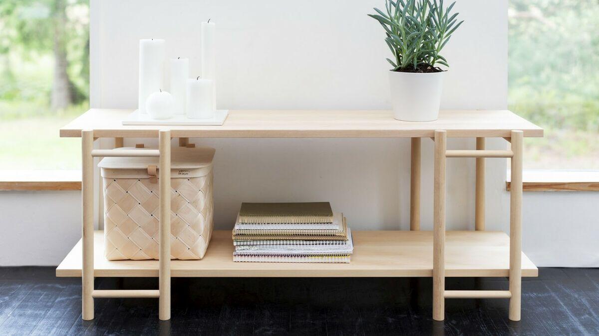 Shelf Suomeksi